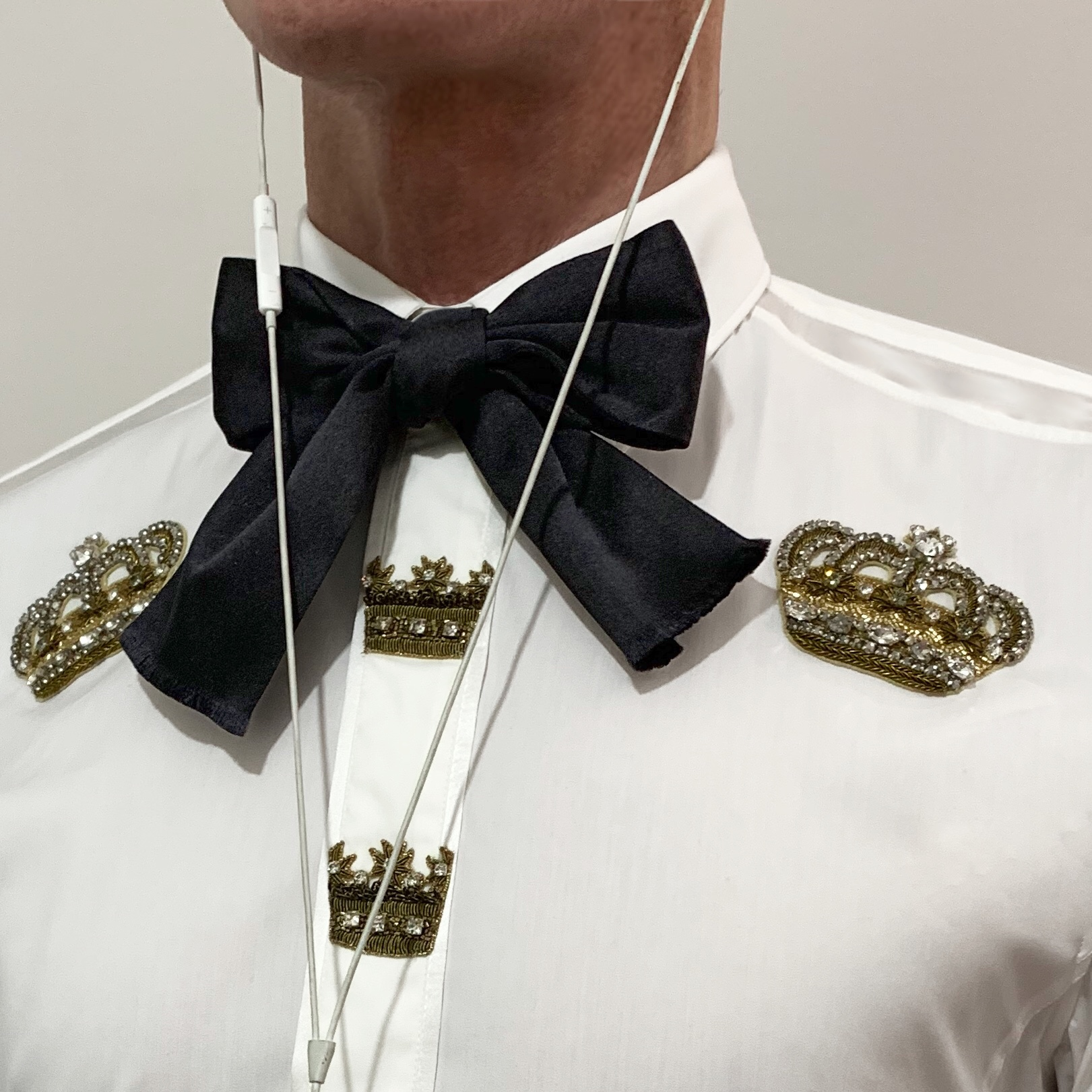 dolce gabbana, neck tie, neck ribbon, neck bow, embroidered shirt, lucifer style,