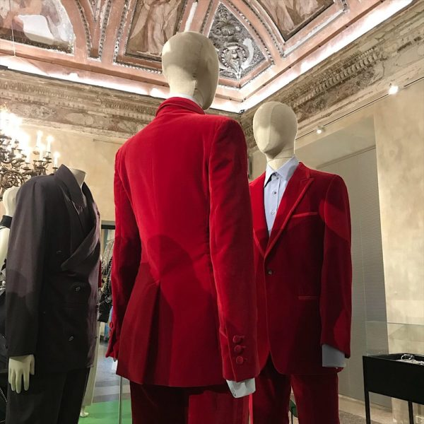 Gucci suit, gucci by tom ford, fashion exhibition, men fashion blog,