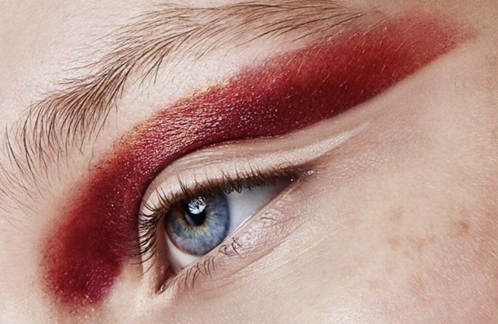 red makeup on eyelid